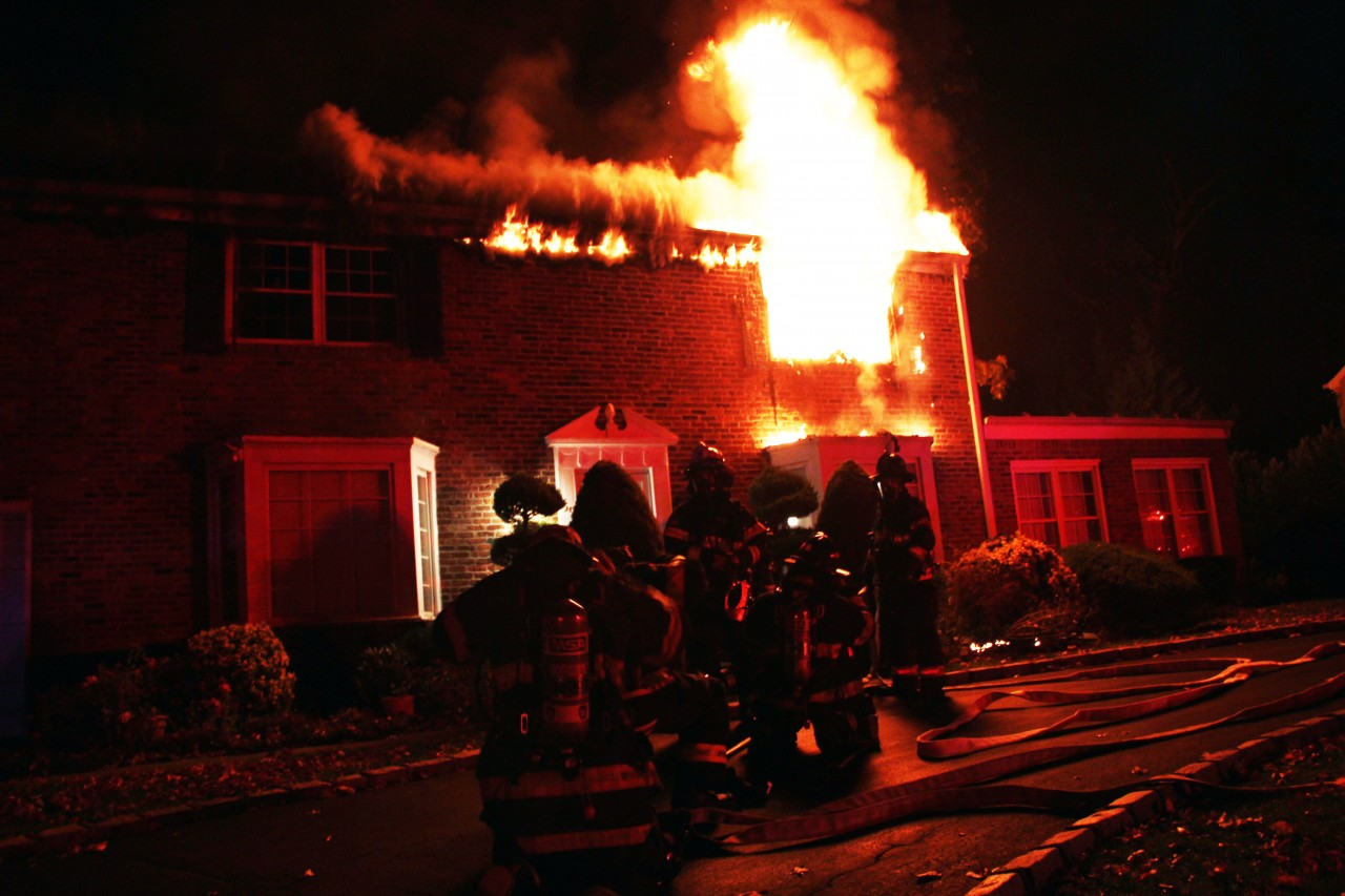 M-LFD Extinguishes Lake Success House Fire